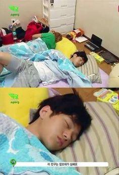 L sleeping haha Korean K Pop, Korean Drama, Korean Idols, K Pop Boy Band, Boy Bands, L Cosplay, Hoya Infinite, Kim Myungsoo, Drama Fever