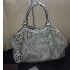 Tip: Gucci Handbag (Silver),  https://www.youtube.com/watch?v=TJR7JsaEouU