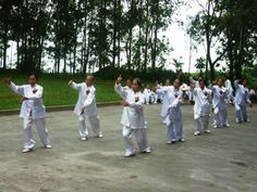 Practice martial arts in the morning