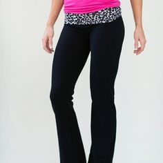 Leopard Yoga Pants Shape Of Your Body, Yoga Wear, Workout Pants, Girly Things, Yoga Pants, Tights, Pajamas, Cute Outfits, Victoria Secret