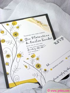 Daisies Wedding invitation, Yellow, gray and White Wedding Invitations - Personalized Wedding Cards - Custom Daisies Wedding Invitations