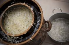 Domácí kysané zelí se s kyselým zelím z obchodu nedá srovnat.. Samos, Kitchen, Cooking, Kitchens, Cuisine, Cucina