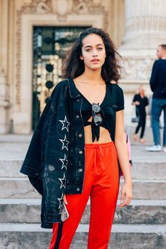 Paris Fashion Week Street Style: See the Photos   Teen Vogue