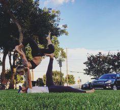 Pretty Acro yoga poses #partneryoga #acroyoga