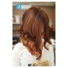 Sfumature d'autunno con il Degradé Joelle! #grosseto #italy #igersitaly  #cdj #degradejoelle #tagliopuntearia #degradé #igers #musthave #hair #hairstyle #haircolour #tbt #ootd #hairfashion #madeinitaly #wellastudionyc #glam #hairstylist #work #beauty