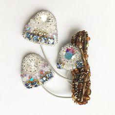 И снова поганки)) Сваровски, вышивка. Сделано на заказ. #handmade #jewelry #brooch #mooshrooms #swarovski #mywork #girl #beauty #beadwork #ручнаяработа #украшения #украшенияручнойработы #украшенияназаказ #вышивка #сваровски #брошь #брошьручнойработы #грибы #поганки #сваровски #девушки #заказ #красота #мояработа