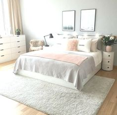 Comfortable Apartment Bedroom Decor Ideas decorating the apartment bedroom is challenging. Since it is a minimalist bedroom, you need to be wiser in applying the idea of room decoration. Pink Bedrooms, Teenage Girl Bedrooms, Small Bedrooms, Modern Girls Bedrooms, Teenage Beds, Beautiful Bedrooms, Apartment Bedroom Decor, Room Ideas Bedroom, Bed Room