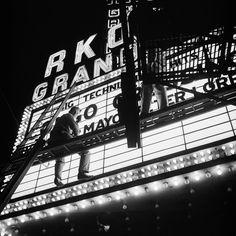 Vivian Maier - Chicago, c. 1952 (RKO) / Silver Gelatin Print - 12 x 12 (on paper) Female Photographers, Street Photographers, Vivian Maier Street Photographer, Fine Art Photography Galleries, Inspiring Photography, Neon Nights, Foto Art, Photo Black, Life Photo