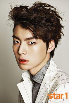 Korean Men's Hairstyles - Mens Hair Styles Korean Male Actors, Korean Celebrities, Asian Actors, Ahn Jae Hyun, Korean Men Hairstyle, Korean Male Hairstyles, Korean Products, New Actors, Layered Hair