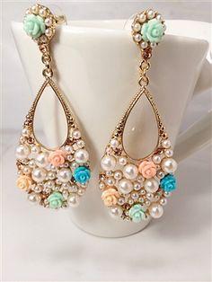 Spring Earrings- Pearls & roses #fashion #earrings #pearls #roses