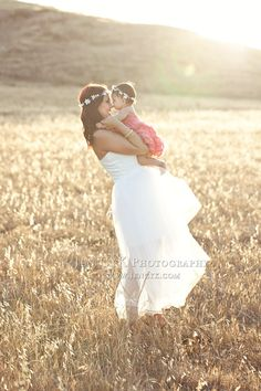 Mother daughter pictures in a wedding dress. DOES NOT GET ANY MORE GORGEOUS! Sweetest #mother #daughter #poses