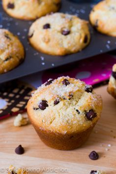 """Bakery Style Chocolate Chip Muffins by sallysbakingaddiction.com - excellent base muffin recipe and tips for how to get """"sky-high"""" muffin tops by starting at a high temp then lowering it as they bake"""