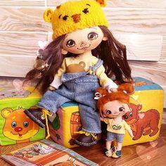 Говорю же не одна поедет)А с младшей  сестренкойВообще,задумывалась куколка для куколки)А получилась сестренка)А тема медведи..мед..пчелы #Сладулькиотириски #handmade_nation #ярмаркамастеров #handmadedoll #handmade #кукларучнойработы #коллекционнаякукла #единственныйэкземпляр #текстильнаякукла #ручнаяработа #doll #сделановручную #dollartist #сделанослюбовью#авторскаякукла #mycreativ_world #my_handmade_look #market_masteroff #hand_made_and_art #малыши #детки #девочкитакиедевочки