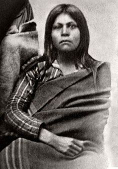 Juana Maria Better-than-Nothing: The Strange Tale of the Lone Woman of San Nicolas Island Woman Skirts lost woman of san nicolas cormorant skirt Native American Photos, Native American Women, Native American History, Native American Indians, Cherokee Indians, Navajo, Strange Tales, Tribal Women, Native Indian