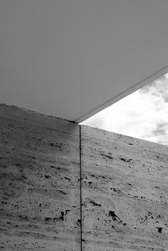 Barcelona Pavilion | Ludwig Mies van der Rohe Architecture Art Design, Gothic Architecture, Architect Design, Contemporary Architecture, Architecture Details, Bauhaus, Luigi Snozzi, Barcelona Pavilion, Concrete Interiors