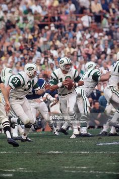 Quarterback Joe Namath of the New York Jets looks to pass against the Baltimore Colts during Super Bowl III at the Orange Bowl on January 1969 in Miami, Florida. The Jets defeated the Colts Old Football Players, Football Stuff, Football Pictures, School Football, Sport Football, Sports Photos, Joe Namath, American Football League, National Football League