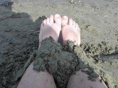 lyhyt matka luonto: Jalka hiekka päällä