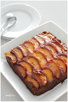 Tried this tonight with the frozen nectarines we put up last summer.  Very good!       nectarinecake3