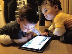 bebes com tablet