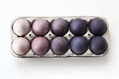 Ostereier im Gradient-Look mit Naturfarbe