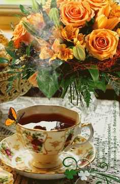 Good morning it's coffee time ~. Good Morning Gift, Good Morning World, Good Morning Coffee, Happy Morning, Good Morning Greetings, Coffee Gif, Coffee Love, Beautiful Gif, Beautiful Flowers