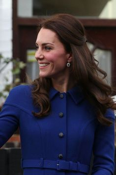 Kate Middleton Opens Up About the Struggles of Parenting While Meeting With Young Mothers Duchess Kate, Duke And Duchess, Duchess Of Cambridge, Kate Middleton Hair, Princess Kate Middleton, Princess Charlotte, Princess Diana, Baby George, Diane Lane