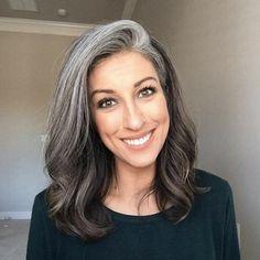 Grey Hair Don't Care, Grey Hair Dye, Long Gray Hair, White Hair, Pelo Color Plata, Grey Hair Transformation, Red Scene Hair, Gray Hair Highlights, Grey Hair Inspiration