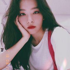 seulgi Spieße The post Spieße & ulzzang appeared first on Red . Irene Red Velvet, Red Velvet Seulgi, Black Velvet, Kpop Girl Groups, Korean Girl Groups, Kpop Girls, Sooyoung, K Pop, Girls Generation