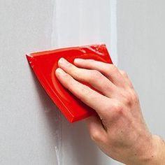 lisser l'enduit de jointoiement entre des plaques de plâtre Diy And Crafts, Genre