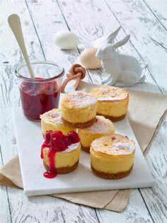 Cheesecake-Törtchen mit Kirsch-Kompott