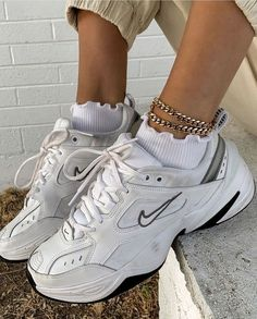 aesthetic shoes Aesthetic vintage art hoe trendy casual cool edgy grunge outfit fashion style idea ideas inspo inspiration for school for women winter summer shoes accesoires ankle bracelet nike white sneaker shoes Moda Sneakers, Sneakers Mode, Best Sneakers, Shoes Sneakers, Chunky Sneakers, Nike Women Sneakers, Gucci Sneakers, Sneakers Adidas, Women Nike