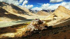 A 4000 metri, nel cuore della catena dellHimalaya, il villaggio di KI con accanto il Ki Gompa (monastero di Ki)