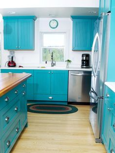 Teal Blue Contemporary Cottage Kitchen with Dura Supreme Cabinetry by Diana, owner and designer of Kitchen, Bath, Etc. Upper cabinets would be better white. Turquoise Kitchen Cabinets, Two Tone Kitchen Cabinets, Painting Kitchen Cabinets, Kitchen Redo, Kitchen Styling, Kitchen Remodel, Teal Cabinets, Aqua Kitchen, Pantry Cabinets