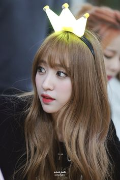EXID HaNi. I'm loving her hair!