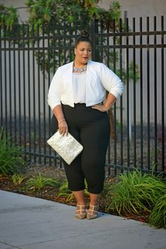 If you are a professional plus size woman, do not miss out on the chance of climbing the corporate ladder fast just because you are unable to find the right clothes for your professional requirements.