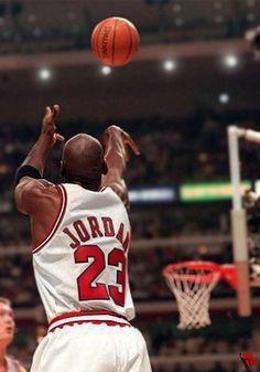 6a25deb1b096 Michael Jordan 23 caught in the action