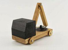 Břichopas about toys: dřevěné hračky / wooden toys
