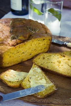 Butternut Bread with Rosemary (To veganize) Sourdough Recipes, Bread Recipes, How To Make Bread, Food To Make, My Recipes, Baking Recipes, Recipies, Good Food, Yummy Food