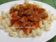 Tocanita cu carne de porc si paste, poza 1 Romanian Food, Recipe Boards, Daily Meals, Paste, Risotto, Macaroni And Cheese, Meat, Chicken, Cooking