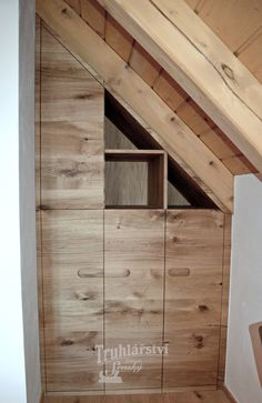 Šatní skříň, trojúhelník do podkroví, moderní plochá dvířka s kresbou, vyfrézované úchyty, dubový masiv, drásaný, nástřik transparentní lak s natur efektem. #masiv #drevo #dub #vestavna #satni #skrin #trojuhelnik #podkrovi #vestavnaskrin #lak #naturefekt #natur #efekt #design #satna #moderni #kresba #wood Lak, Garage Doors, Outdoor Decor, Design, Home Decor, Decoration Home, Room Decor, Home Interior Design