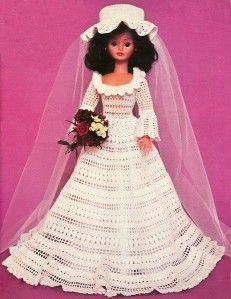 Habit Barbie, Crochet Clothes, Crochet Dresses, Barbie Friends, Doll Crafts, Stuffed Toys Patterns, Barbie Dolls, Doll Clothes, Crochet Patterns