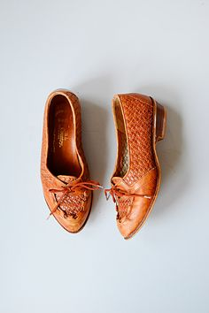 vintage shoes | vintage oxfords | 1960s shoes
