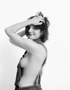 Elisabeth Moss Poster Standup 4inx6in black and white