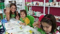 Familias felices en Café Pintado desde 2009.  Cali Colombia Ceramicafe.