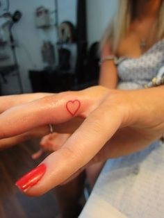 heart tattoo on finger~~ I've always wanted to do this.