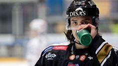 Nuorten maailmanmestari, jääkiekkoilija Sebastian Aho on valittu vuoden oululaiseksi. Valinnan teki kaupunkilehti Oulu-lehti. Kiekkolupaus päihitti toiset ehdokkaat reilusti.