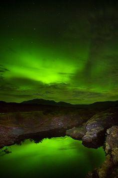 Aurora at Þingvellir National Park (by Snorri Gunnarsson) Beautiful Sky, Beautiful Places, Beautiful Pictures, Nature Pictures, Skier, Thingvellir National Park, Sky And Clouds, Amazing Nature, Night Skies