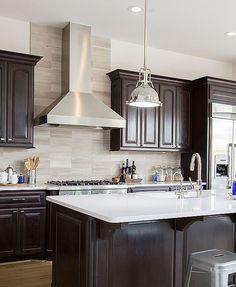 Modern Kitchen Backsplash, Backsplash With Dark Cabinets, White Bathroom Cabinets, White Countertops, Backsplash Tile, Kitchen Countertops, White Bathrooms, Kitchen Appliances, Backsplash Ideas