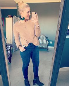 #pink #denim #imageconsultant #lookoftheday #yes #loveheels #wearitpink #jeans Post Pregnancy Clothes, Pre Pregnancy, Pregnancy Outfits, Happy Mom, Personal Style, Capri Pants, Black Jeans, Denim, Formal