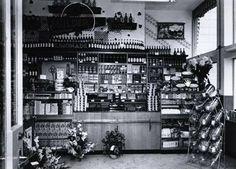 Meer dan 1000 afbeeldingen over winkels van vroeger op for Interieur winkel amsterdam